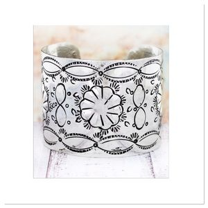 Royal Mustang Jewelry - Chic Western Style Cuff