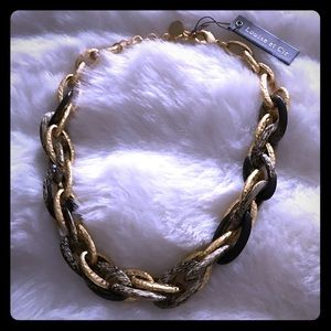 Louise et Cie Jewelry - Louise et Cie Jewelry Large Link Collar Necklace