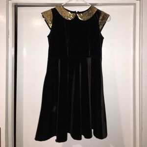 Hartstrings Other - Hartstrings sz 10 black and gold dress NWOT