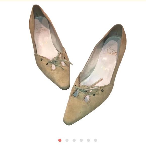 newest 8f194 c5715 ✨SOLD✨Louboutin Creme Suede Kitten Heels 40.5