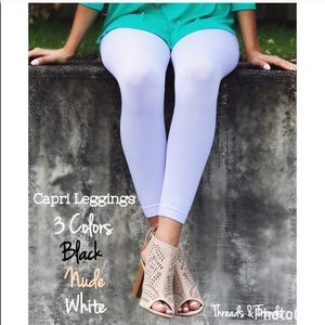 Threads & Trends Pants - Capri Leggings