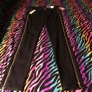 Guess zippered skinny jeans 👖NWT 💐