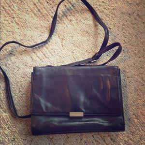 Perlina Handbags - Perlina Wallet Crossbody