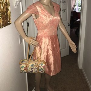 Kay Unger Dresses & Skirts - Ladies dress 6 by Kay Unger NWT peach satin