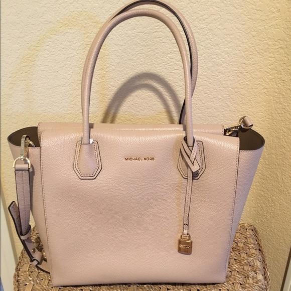 80811956998e Michael Kors Bags | Mercer Large Bonded Leather Satchel | Poshmark