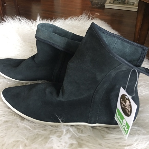 82 Off Sanuk Shoes Nwt Sanuk Suede Kat Sphynx Luxe