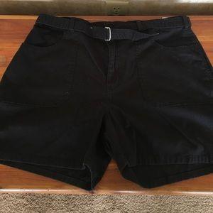 Gloria Vanderbilt black shorts
