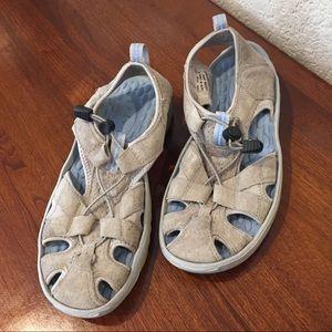 Pr!vo by clarks suede sandals