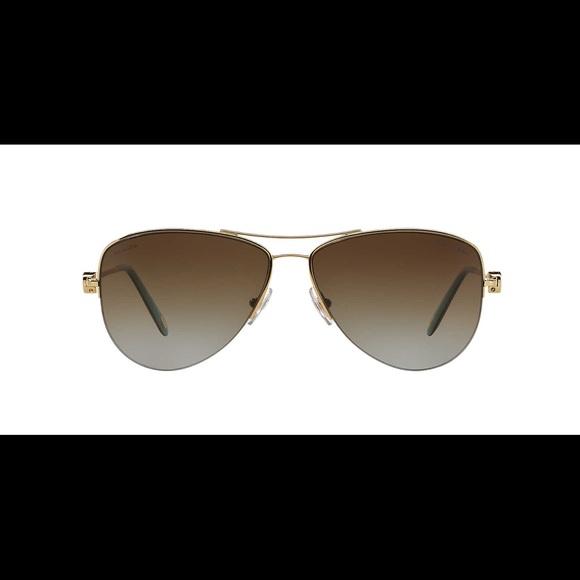 0b49cea7d0 ... Aviator Sunglasses w Free Lululemon. M 59046f424e95a302be05bcc3