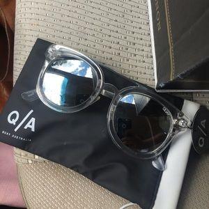 NEW Quay Australia Sunglasses Brooklyn mirrored
