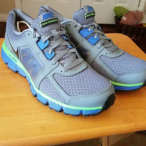 ed190fc8571 Nike Mens dual fusion st2 running shoes size 10. M 58ff86de4127d0ec96037e65