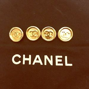 CHANEL Accessories - CC Buttons