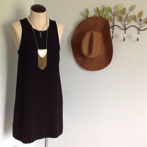 Tildon Dresses & Skirts - 🌺Beautiful & Lightweight LBD!!