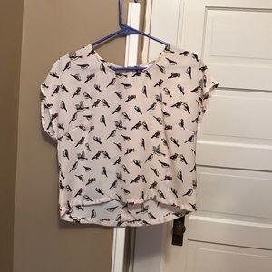 H&M Tops - Cute little bird shirt