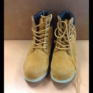 Lugz Other - LUGZ Boy Brown Tan Boots 5