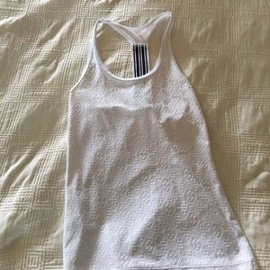 Tops - Lorna Jane workout top