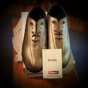 Propet Shoes - NWT Propet Firefly Walking Shoes