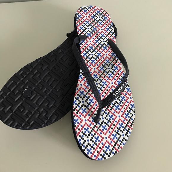 771ceecc9 New women shoes 👠 flip flop sz 10 TOMMY HILFIGER