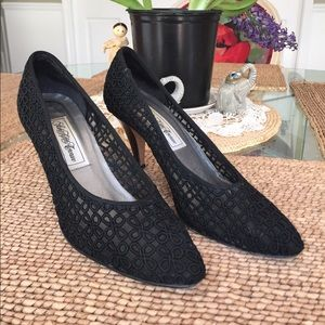 Saks Fifth Avenue Shoes - Saks Fifth Ave black embroidered and leather shoe