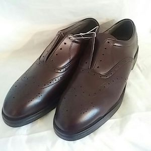Red Wing Shoes Other - NWOT redwing dress shoes for men