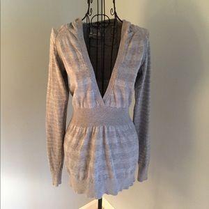Grey long sleeve sweater