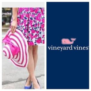 Vineyard Vines Dresses & Skirts - RARE Vineyard Vines 2014 Run for the Roses Skirt