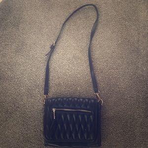 Black crossover purse