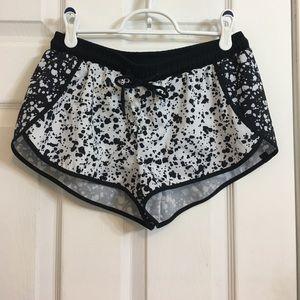 Fabletics Pants - Fabletics speckle print shorts