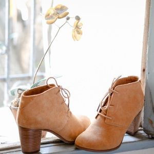 Toms Lunata Lace Up Wheat Suede Booties