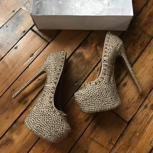 Women's Steve Madden Gold Spiked Heels on Poshmark