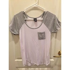 Nollie Tops - Nollie Gray and white t-shirt