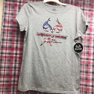 Camo Tops - Red, white, and blue realtree shirt NWT