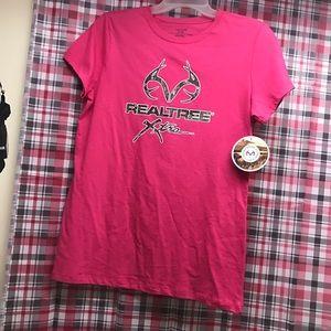 Camo Tops - Pink realtree short sleeve shirt NWT