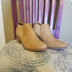 American Eagle Outfitters Shoes - NWOT American Eagle Outfitters booties