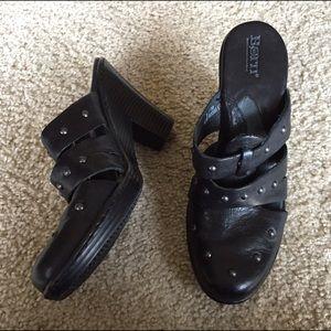Born Shoes - Born clogs size US 8/EU 39