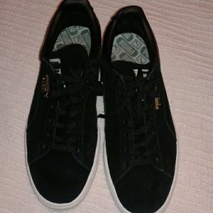 Puma Other - Puma suede size 8 in mens shoes