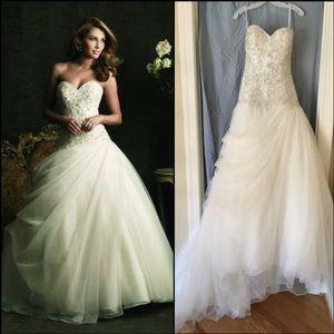 Allure Bridals Dresses & Skirts - SALE💕Beautiful Allure Bridals 8901 Wedding Dress!