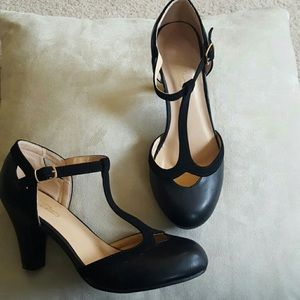 Journee Collection Shoes - Black t-strap heels.