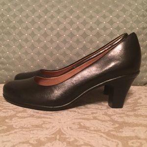 Sofft Shoes - Black leather pump