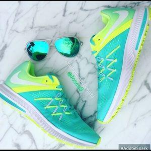 Nike Shoes - Women's Nike zoom Winflo sneakers