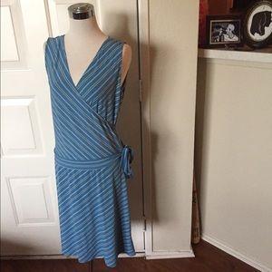 M.STUDIO Dresses & Skirts - Striped v-neck wrap dress perf for 4th of July