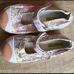 Morgan & Milo Other - Morgan & Milo cute floral canvas shoes.