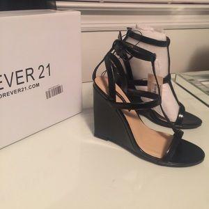 4ever21 Black Wedges