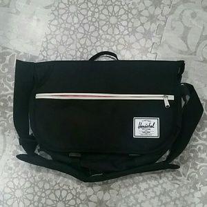 Herschel Supply Company Handbags - Herschel messenger bag