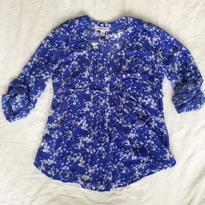 Motherhood Tops - .Motherhood. Blue floral pintuck maternity blouse