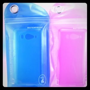 Other - 💦🤳2 for 1 weather/ water proof phone bag