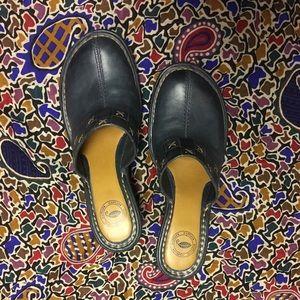 NURTURE Shoes - NWOT NURTURE BLUE leather mules w/wedge heel 8.5