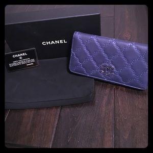 CHANEL Handbags - Authentic Chanel L-Gusset Zip Wallet in dark blue!