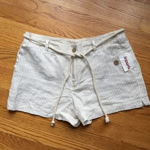 Cynthia Rowley Pants - NWT Cynthia Rowley Beige Striped Tie Shorts Sz 10