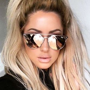 Quay Australia Accessories - QUAY AUSTRALIA - Chrissy Gemini Sunglasses 😎